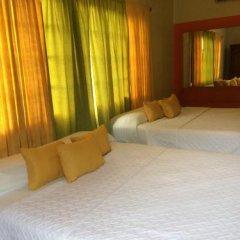 Hotel Casa La Cumbre Сан-Педро-Сула сейф в номере