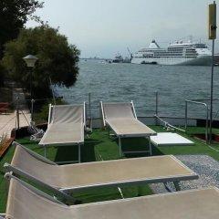 Отель Yacht Fortebraccio Venezia пляж фото 2