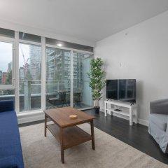 Отель Sterling Suites - Yaletown Канада, Ванкувер - отзывы, цены и фото номеров - забронировать отель Sterling Suites - Yaletown онлайн комната для гостей фото 2