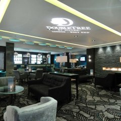 Отель DoubleTree by Hilton London – West End развлечения