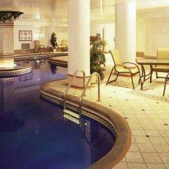 Отель Manoir Victoria Канада, Квебек - отзывы, цены и фото номеров - забронировать отель Manoir Victoria онлайн бассейн фото 3