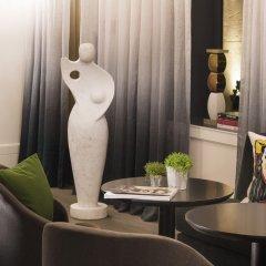 Отель Hôtel Le Marianne гостиничный бар