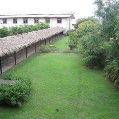 Отель Axari Hotel & Suites Нигерия, Калабар - отзывы, цены и фото номеров - забронировать отель Axari Hotel & Suites онлайн спортивное сооружение