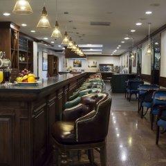 Гостиница Atyrau Hotel Казахстан, Атырау - 4 отзыва об отеле, цены и фото номеров - забронировать гостиницу Atyrau Hotel онлайн гостиничный бар