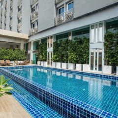 Golden Dragon Suvarnabhumi Hotel бассейн фото 2