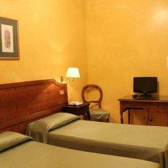 Отель Fiori Италия, Рим - 7 отзывов об отеле, цены и фото номеров - забронировать отель Fiori онлайн комната для гостей фото 2