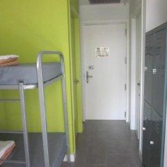Отель Green Nest Hostel Uba Aterpetxea Испания, Сан-Себастьян - отзывы, цены и фото номеров - забронировать отель Green Nest Hostel Uba Aterpetxea онлайн ванная фото 2