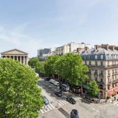 Отель Luxury 2 Bedroom Duplex - Beautiful Monument View Париж балкон