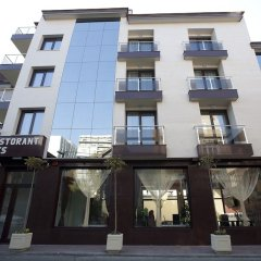 Отель Aris Болгария, София - 1 отзыв об отеле, цены и фото номеров - забронировать отель Aris онлайн вид на фасад