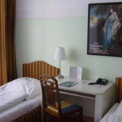 Отель Nymphenburg München Германия, Мюнхен - отзывы, цены и фото номеров - забронировать отель Nymphenburg München онлайн комната для гостей фото 5
