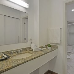 Hotel Deville Business Curitiba ванная