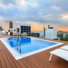 Отель Golden Tulip Barcelona бассейн