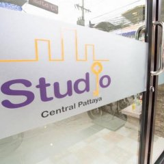 Апартаменты Studio Central Pattaya By Icheck Inn Паттайя парковка