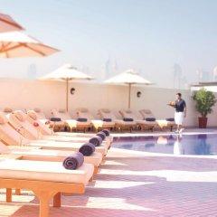 Movenpick Hotel & Apartments Bur Dubai бассейн фото 3