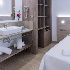 Отель 4R Hotel Playa Margarita Испания, Салоу - отзывы, цены и фото номеров - забронировать отель 4R Hotel Playa Margarita онлайн ванная фото 2