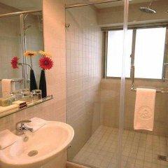 Отель Rayfont Hongqiao Hotel & Apartment Shanghai Китай, Шанхай - 1 отзыв об отеле, цены и фото номеров - забронировать отель Rayfont Hongqiao Hotel & Apartment Shanghai онлайн ванная