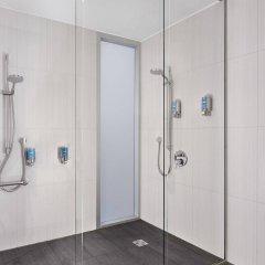 Отель Aloft London Excel Великобритания, Лондон - отзывы, цены и фото номеров - забронировать отель Aloft London Excel онлайн ванная фото 2