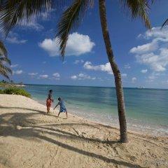 Отель Hilton Rose Hall Resort & Spa - All Inclusive Ямайка, Монтего-Бей - отзывы, цены и фото номеров - забронировать отель Hilton Rose Hall Resort & Spa - All Inclusive онлайн пляж