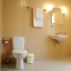 Отель Senas Namas Литва, Бирштонас - отзывы, цены и фото номеров - забронировать отель Senas Namas онлайн ванная