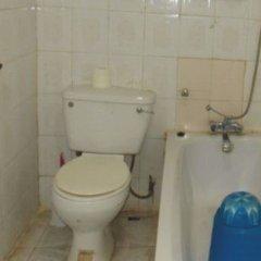 The Ambassador's Hotel ванная