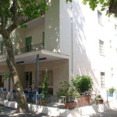 Hotel Zaghini Римини бассейн