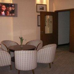 Отель Willa Biala Lilia Польша, Гданьск - 4 отзыва об отеле, цены и фото номеров - забронировать отель Willa Biala Lilia онлайн комната для гостей фото 2
