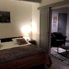 Отель Les Terrasses De Saumur Сомюр сейф в номере
