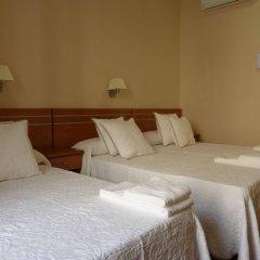 Отель Hostal Mayor Испания, Мадрид - отзывы, цены и фото номеров - забронировать отель Hostal Mayor онлайн комната для гостей