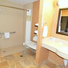 Отель Hampton Inn & Suites Lake City, Fl Лейк-Сити ванная фото 2