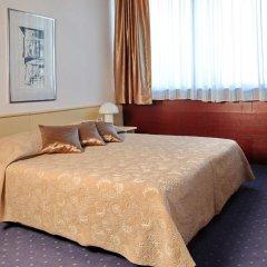 Отель Slavija Garni (formerly Slavija Lux/Slavija III) Сербия, Белград - 4 отзыва об отеле, цены и фото номеров - забронировать отель Slavija Garni (formerly Slavija Lux/Slavija III) онлайн комната для гостей фото 2