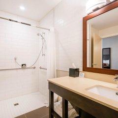Отель Comfort Inn & Suites ванная фото 2