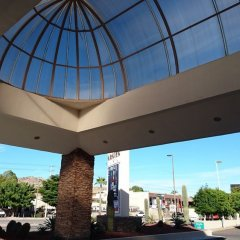 Отель Araiza Hermosillo Мексика, Эрмосильо - отзывы, цены и фото номеров - забронировать отель Araiza Hermosillo онлайн парковка