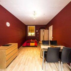 Апартаменты RentByNight - Apartments комната для гостей фото 4