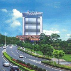 Отель Cinese Hotel Dongguan Китай, Дунгуань - 1 отзыв об отеле, цены и фото номеров - забронировать отель Cinese Hotel Dongguan онлайн балкон