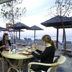 Отель Ramada Beach Аджман гостиничный бар