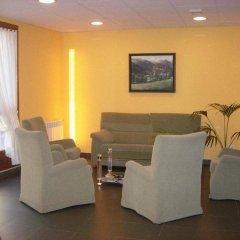 Отель Pensió La Creu комната для гостей