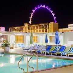 Отель Platinum Hotel and Spa США, Лас-Вегас - 8 отзывов об отеле, цены и фото номеров - забронировать отель Platinum Hotel and Spa онлайн бассейн фото 3