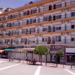Hotel Malaga Picasso парковка