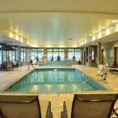 Отель Holiday Inn Express & Suites Geneva Finger Lakes бассейн