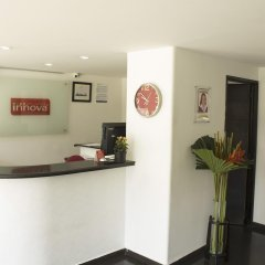 Отель Innova Chipichape интерьер отеля