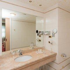 Отель SHG Hotel Antonella Италия, Помеция - 1 отзыв об отеле, цены и фото номеров - забронировать отель SHG Hotel Antonella онлайн ванная