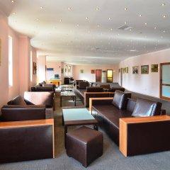 Апартаменты Holiday Apartments Severina гостиничный бар