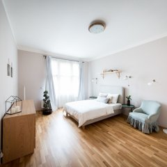 Апартаменты Boris' apartments City centre parks Прага комната для гостей фото 4