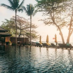 Отель Buri Rasa Village бассейн
