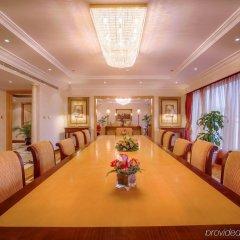 Отель CORNICHE Абу-Даби помещение для мероприятий