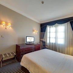 Royal Ascot Hotel сейф в номере
