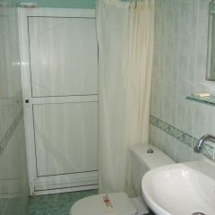 Отель Regina's Guesthouse Болгария, Балчик - отзывы, цены и фото номеров - забронировать отель Regina's Guesthouse онлайн ванная