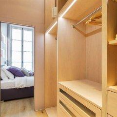 Апартаменты Private Apartments Mabillon Париж сейф в номере