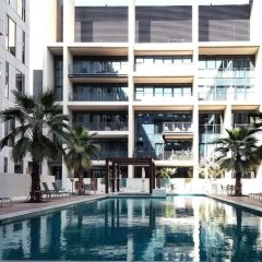 Отель Explore City Walk From an Exquisite Sanctuary ОАЭ, Дубай - отзывы, цены и фото номеров - забронировать отель Explore City Walk From an Exquisite Sanctuary онлайн бассейн