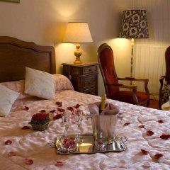 Отель Hôtel Continental Эвиан-ле-Бен в номере